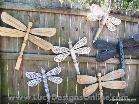 Diy Outdoor Wooden Decorations by Top 23 Surprising Diy Ideas To Decorate Your Garden Fence