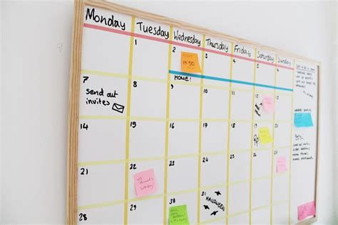 how to make a whiteboard calendar now that s pretty diy white board calendar