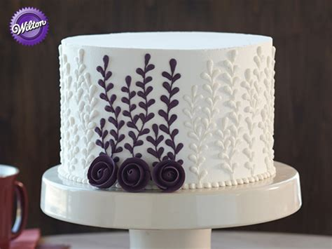 Joanns Cake Decorating by Wilton Cake Decorating Course 1 Building Buttercream