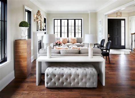table   sofa   paried   ottoman