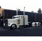 1000  Ideas About Peterbilt Trucks On Pinterest Semi