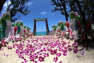 hawaiian theme wedding hawaii weddings custom designed alters on oahu
