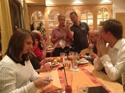 essen in stuttgart schnitzel essen im neuwirtshaus in stuttgart schnitzel fans