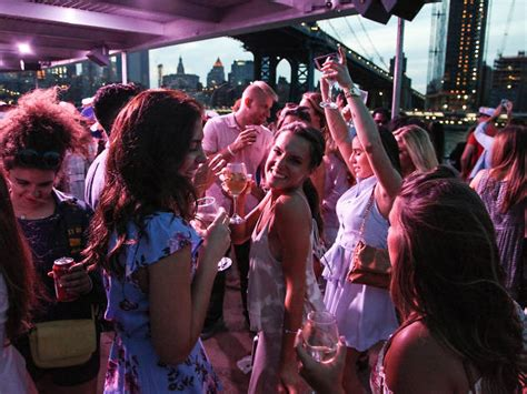 boat brunch party nyc 12 best boat parties in nyc including booze cruises