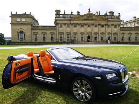 rolls royce dealership rolls royce to open dealership in leeds