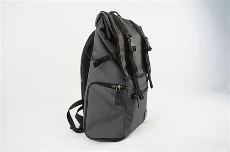 Sirui Slinglite 8 Black sling shoulder or backpack the choice is yours with new