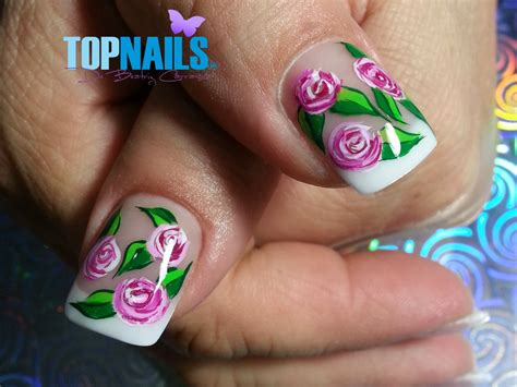 imagenes de uñas pintadas a la moda 2015 u 241 as acr 237 licas francesas con dise 241 o de rosas pintado a