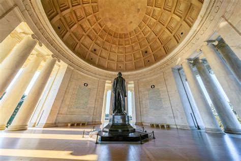 monuments memorials in washington dc visitor s guide