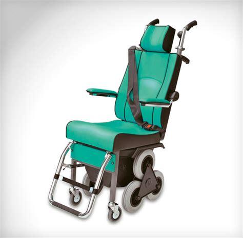 sedie per disabili per scendere scale montascale scoiattolo