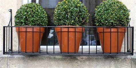 use a window box planter the homy design
