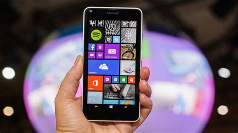 microsoft lumia 640 review cnet microsoft lumia 640 review big screen and great camera