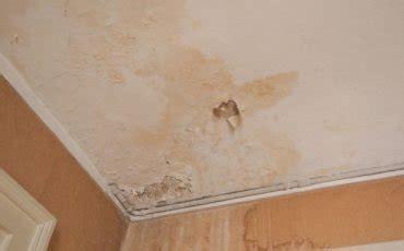 infiltrazioni d acqua dal soffitto infiltrazioni sul soffitto e risarcimento danno
