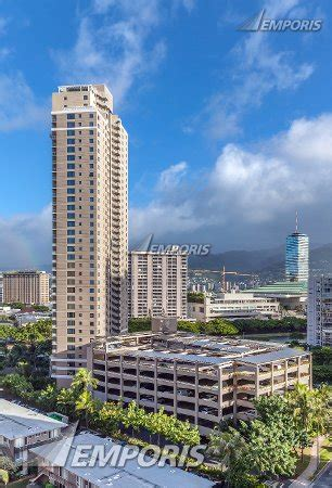 Waikiki Parking Garage by The Watermark And Parking Garage From The South East The