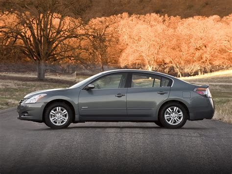 nissan hybrid sedan 2010 nissan altima hybrid price photos reviews features