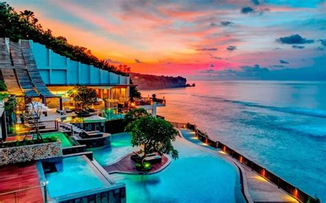 honeymoon destinations  september