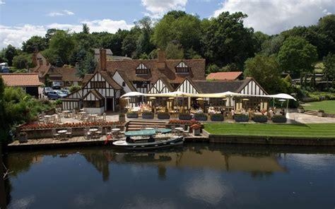 Wedding Venues in Essex, Eastern   Le Talbooth   UK