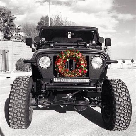 jeep wreath christmas jeep wreath jeep pinterest