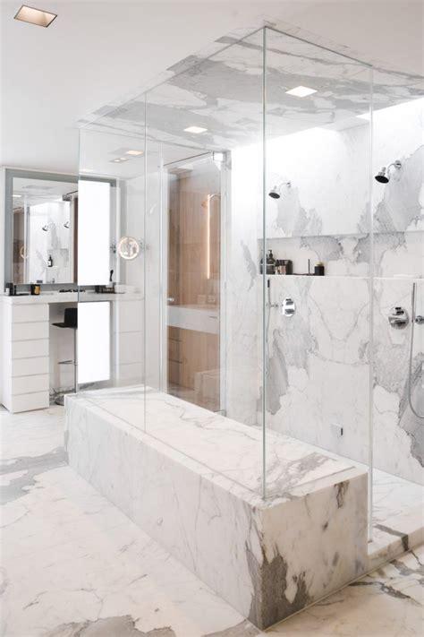 Glass Bathrooms by Best 25 Glass Bathroom Ideas On Glass