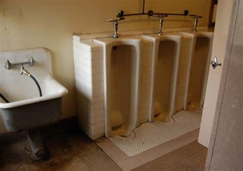 Highschool Bathroom by Bathroom Passes High School Bathroom Trends 2017 2018