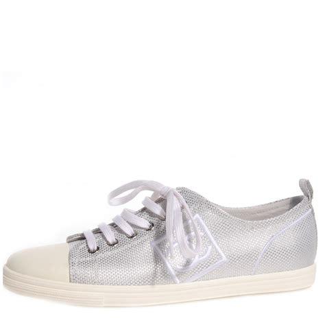 chanel canvas cc tennis shoes 38 5 metallic silver 71650
