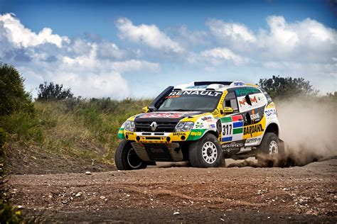 renault dakar renault aims for top 10 finish in dakar 2016 autoevolution
