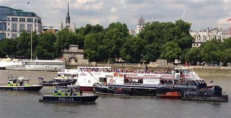boat crash on thames today hundreds evacuated from thames tourist boat as it collides
