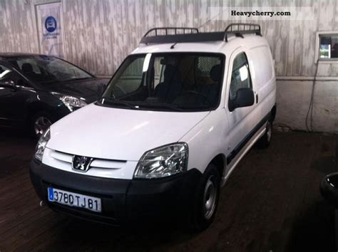 peugeot partner 2005 box type delivery van van or truck up to 7 5t commercial