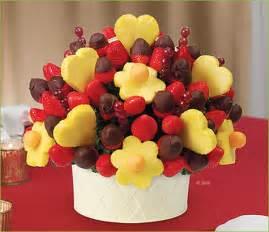 edible fruit centerpieces edible arrangements 174 fruit baskets berry chocolate