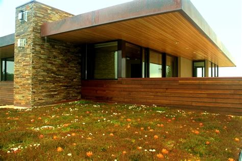 liveroof green roof systems liveroof patented hybrid green roof systems