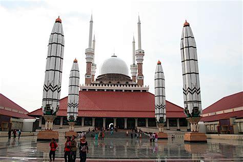 by agung sutriyawan 2346 no comments masjid agung jawa tengah bumi nusantara