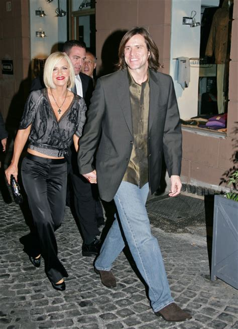 Jim Carrey Takes Dig At Tom Cruise by Jim Carrey Photos Photos Tom And S Festive Dinner
