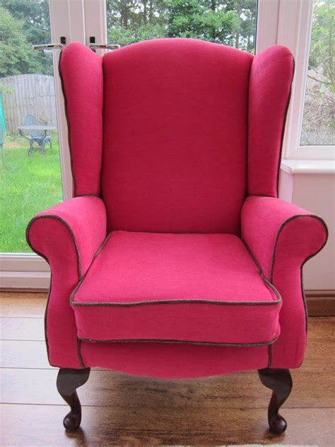 Fuschia Accent Chair by Best 25 Pink Accents Ideas On Living Room