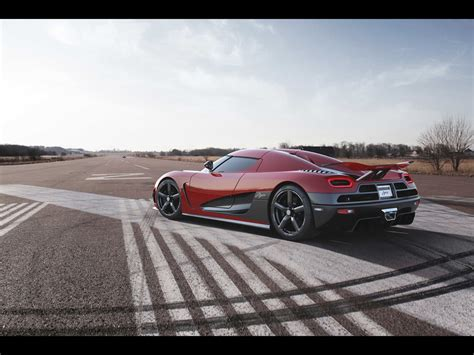 koenigsegg agera red the gallery for gt koenigsegg agera r red 2013