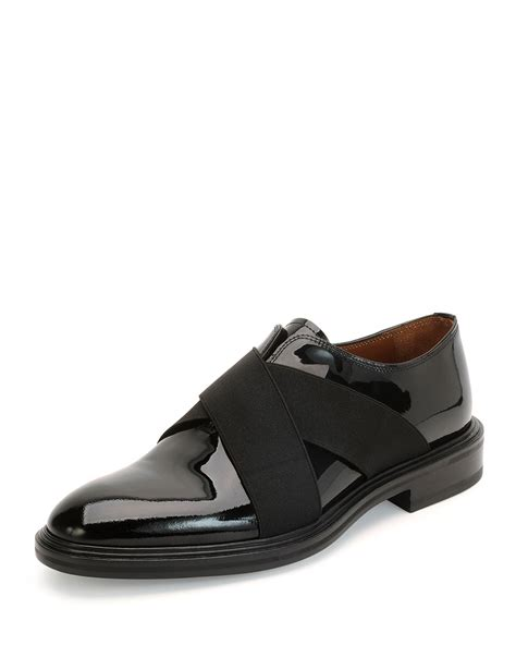 givenchy crisscross patent leather shoe in black for