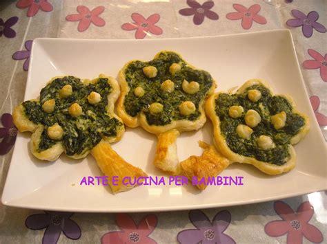 come cucinare l uovo ai bambini alberelli in sfoglia di spinaci arte e cucina per bambini