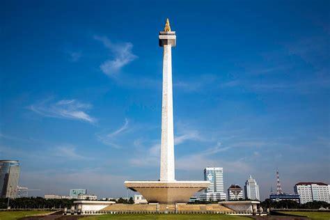 Monumen Nasional Monumen Keagungan Bangsa Indonesia 42 tahun lalu monas resmi dibuka untuk umum sportourism
