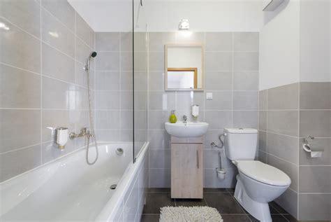 Big Design Ideas for Small Bathrooms   Marmol