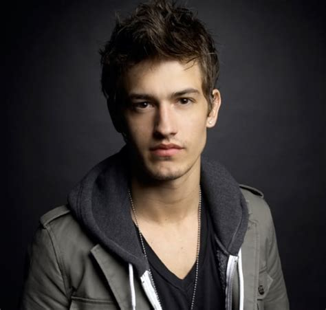 hot 20 year old male actors asher book