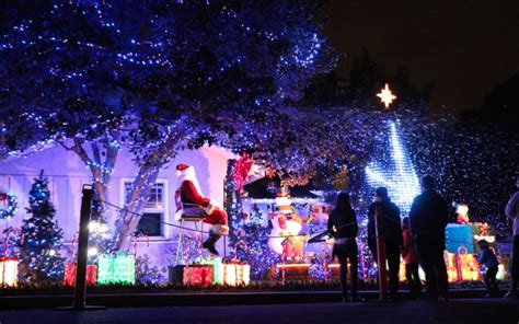 lights in ca lights on display in sherman oaks is back for 2016
