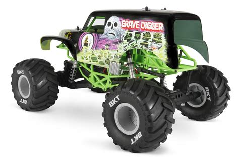 monster jam grave digger rc truck axial introduces smt10 grave digger video rc car action