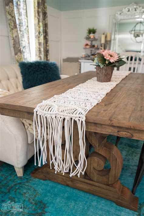 how to a table runner a macrame table runner tutorial the diy