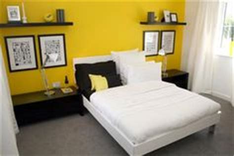 yellow accent wall bedroom 1000 images about yellow accent wall on