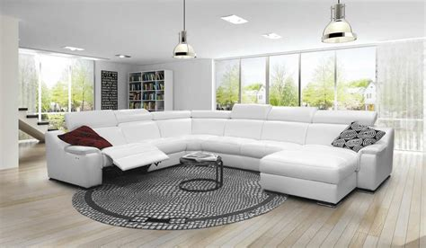divani con poggiapiedi divano angolare con poggiapiedi e poggiatesta regolabili