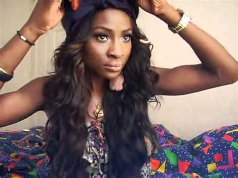 how to wrap leave out weave how to 5 ways to wear a scarf youtube