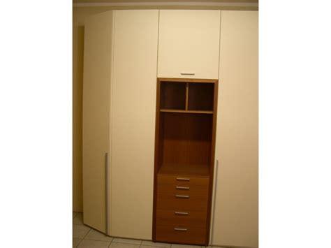 armadio angolare con cabina armadio angolare con cabina armadi a prezzi scontati
