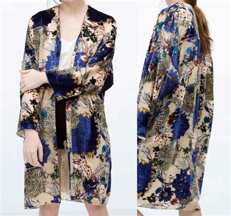 Atasan Kimono Zara Flower Line zara blue floral velvet burn out devore
