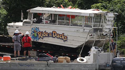 duck boat life jacket rules missouri attorney general sues over duck boa wbal radio