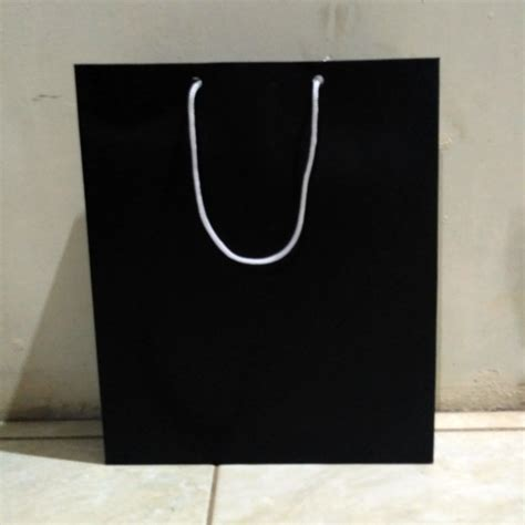 Paper Bag Kado Murah 3184c jual beli peper bag hitam tas kertas tas souvenir tas