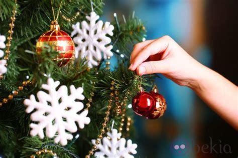 decorar arbol de navidad con nieve 193 rbol de navidad decorado con copos de nieve ideas para