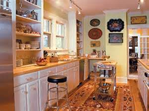Kitchen Design Ideas For Small Galley Kitchens by Cozy Galley Kitchen Myhomeideas Com